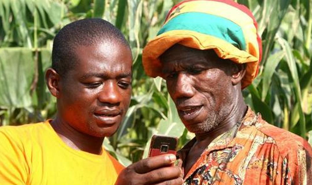 非洲年轻人在网上最喜欢买电子产品和服装