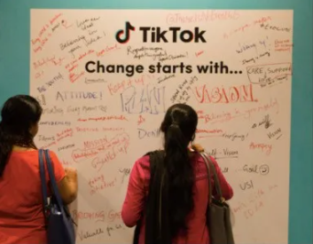 全球疫情下,权威NGO与年轻TikTok的梦幻联动