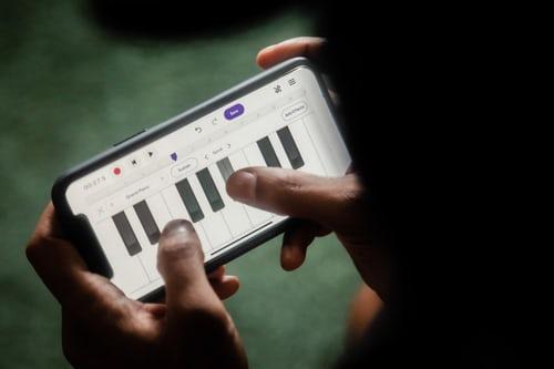 Google Play 正在试行开发者热线,为您提供真正的交谈对象