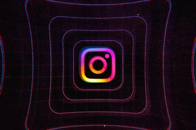 """Instagram 正在测试新的""""收藏夹"""",为您混乱的 Feed 带来秩序"""