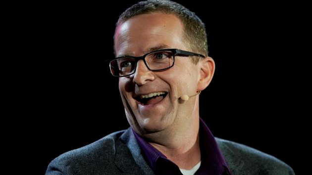 Facebook首席技术官将卸任 硬件主管接任