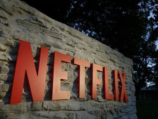 Netflix将在沃尔玛网站开专区:销售《鱿鱼游戏》、《怪奇物语》等热门节目的周边